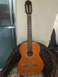 Vende-se este violão 250reais
