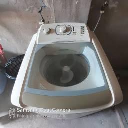 Maquina de lavar . Com defeito pra quem quiser arrumar