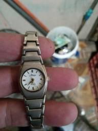 Relógio femenino aceito trocas