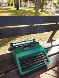 Bela antiguidade Maquina de datilografia antiga - antiguidade
