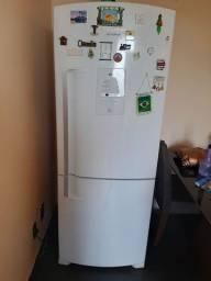 Vendo geladeira inversa da Brastemp