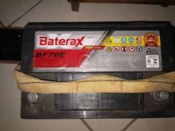 Bateria 70 amperes.