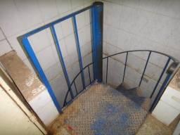 Escada Caracol/ Seminova