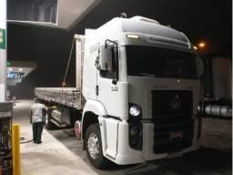 Caminhão carroceria truck constellation 370 hp