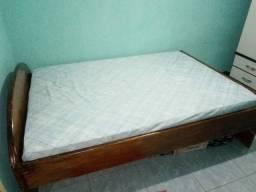 Cama e dois colchão