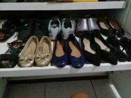 vendo um lote de calçados pra bazar