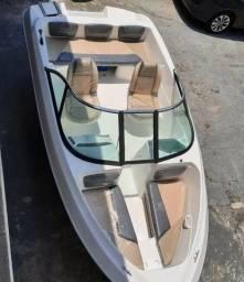 Barco ventura modelo V180