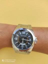 Relógio Technos pouco usado