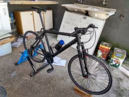 Bike aro 26 e rolo de treino