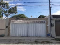 Maraponga - Casa Plana 189,00m² com 3 quartos e 5 vagas