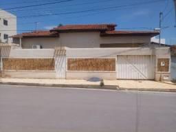 Título do anúncio: casa no bairro novo horizonte 3 suítes