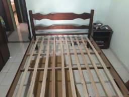 Vendo cama de casal toda de madeira