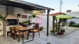 IN-Casa Aluguel/4 Quartos/300m²/Churrasqueira/Quintal/Centro/Sjc