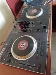 DJ Numark NS7 Controladora