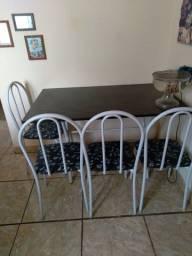 Mesa de tampo de ardósia com 4 cadeiras