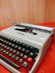 O.L ano 1950 fabricada no Brasil Maquina de datilografia antiga - antiguidade