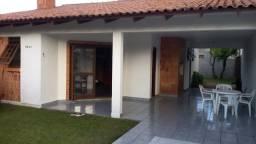 Alugo casa  Nova Tramandaí  3 quadras do centrinho  e 900 m praia 250,00