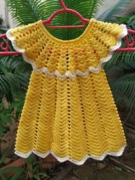 Vestido amarelinho para bebê