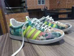 Tênis Adidas Farm