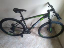Bicicleta Oggi Hacker Sport aro 29 , linda sem detalhes