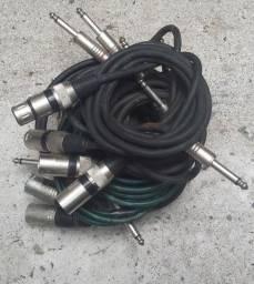 Cabos de áudio para microfone e instrumentos
