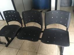 Conjunto com 3 cadeiras + cadeira secretaria