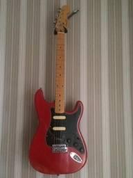 Guitarra Squier com logo fender