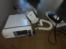 Vendo radio VHF marine transceiver e GPS navigation uso maritimo