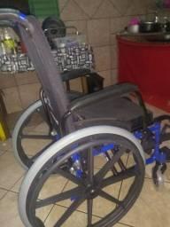 Cadeira de rodas  nunca usada 1.100,