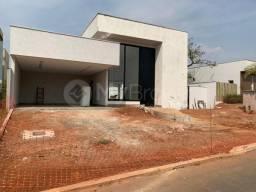 Casa com 4 quartos - Bairro Portal do Sol Green em Goiânia