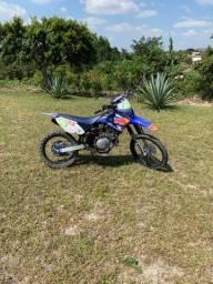 Moto Yamaha TT-R