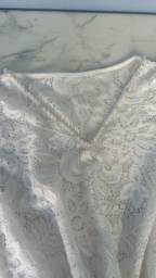 Blusa rendada nova. Nunca usada.