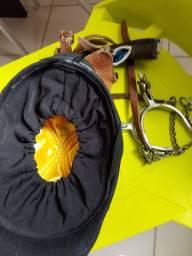 Espora capacete luva e protetor de mão