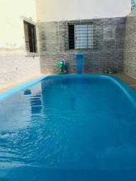 Casa com piscina perto da praia
