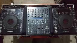 Par de CDJ 1000 MK3 + Case + Mixer DDM4000