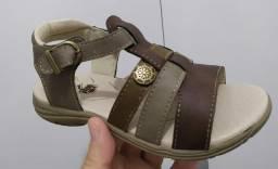 Sandália e babuche nunca usado