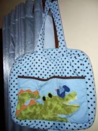 Bolsa infantil para carregar artigos infantis e roupas