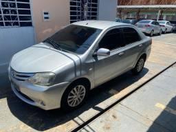 Etios sedan xls 2013