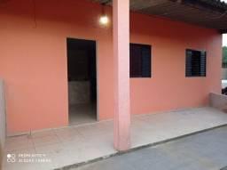 Aluga-se Apartamento R$ 400,00 (incluso água)