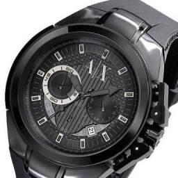 Vendo Relógio de pulso Marca Armani Exchange, preto, pouco uso, muito conservado.