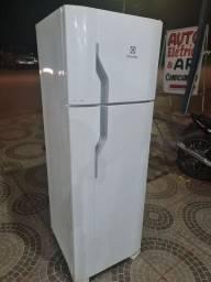 Refrigerador dúplex semi novo no Pregão 2 Irmãos