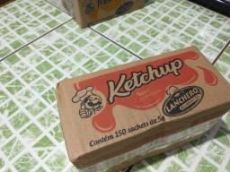 Caixa de maionese e ketchup