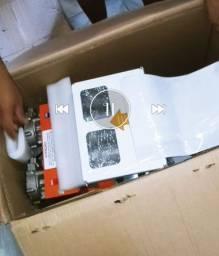 Máquina de salgados da Compacta Print com masseira