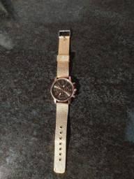 Relógio barato NOVO - Lindo, pra vender logo