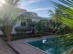 Linda casa com 3 quartos amplo quintal e piscina no bairro Flamengo em Maricá!