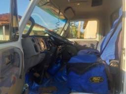Caminhão boiadeiro Volksvagem 8-150 trucado