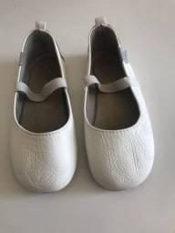 Sapatos infantis número 24. Todos muito bem conservados