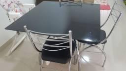 Jogo De mesa de vidro com 4 cadeiras