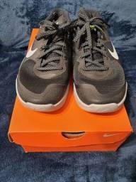 Tênis Nike tamanho 38