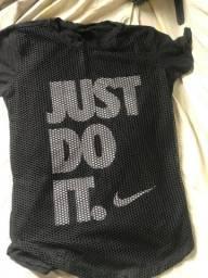 Camisa Nike preta